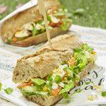 Sandwich au saumon, cresson et dressing au curry